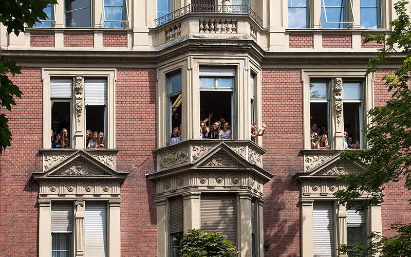 001-augsburg-school