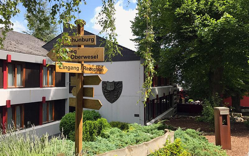 002-oberwesel-juniors-entrance