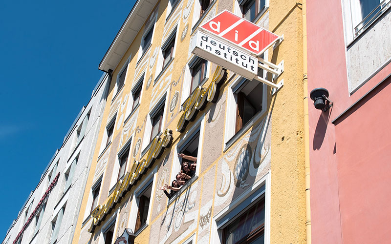 002_did_Munich_School_Front