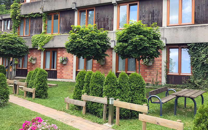005-oberwesel-juniors-building