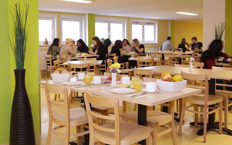 018-frankfurt-juniors-cafeteria