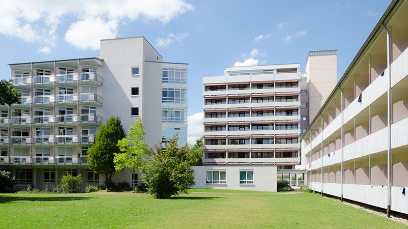 Bad-Schussenried_Rear-view-of-the-buildings_0051_16x9