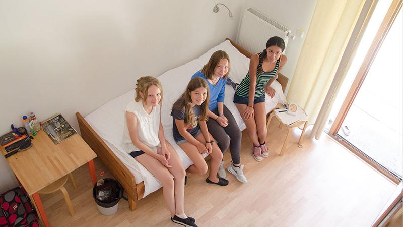 Berlin-Lehnin_Four-bed-room_0148_16x9