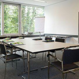 Duesseldorf_Class-room_7436_16x9