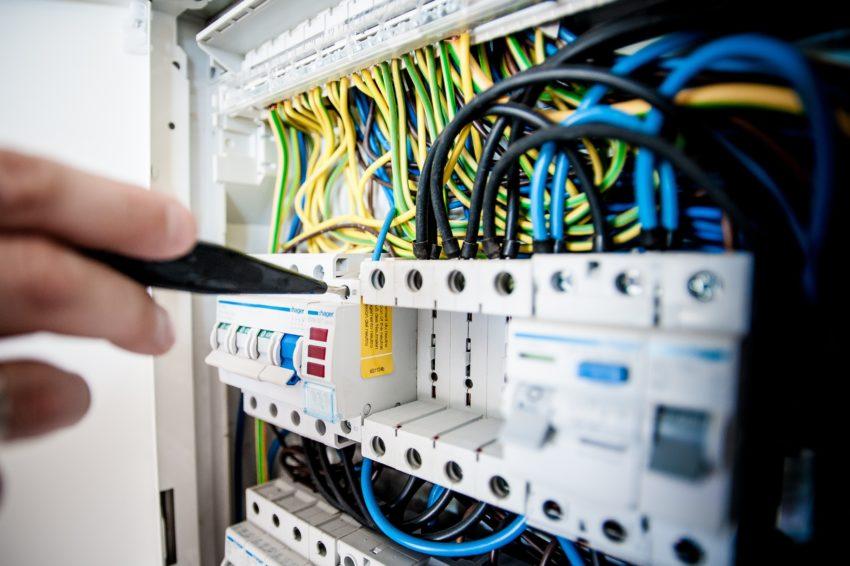 Электро- и информационные технологии | Elektro- und Informationstechnik