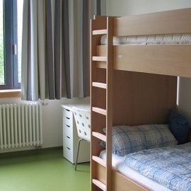 Heessen_Two-bed-room_0205_16x9