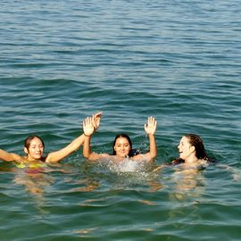 Meersburg_Swimming-in-the-lake_0143_16x9