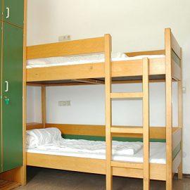 Munich_Triple-bed-room_16x9