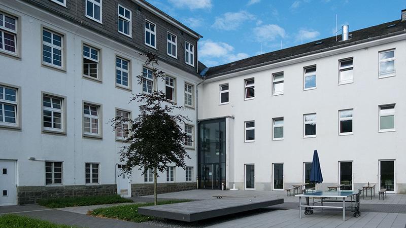 Schmallenberg_Building-backside_7401_16x9