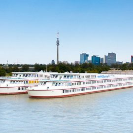 Vienna_School-ship-on-the-Danube_0015_16x9