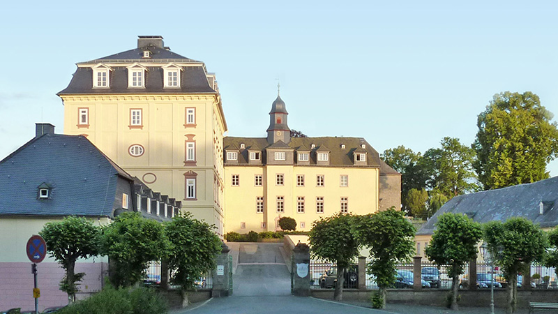 Wittgenstein_Castle-and-stables_P1010760_16x9